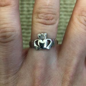 Jewelry - Silver Irish heart ring ❤️💕🌼